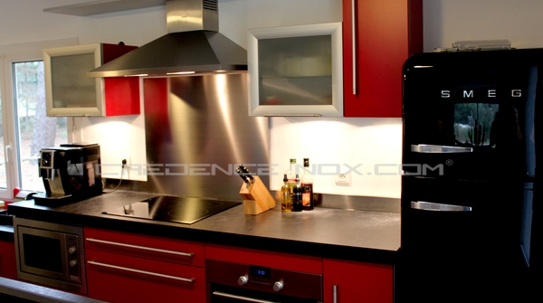 la credence cuisine inox se marie avec quelles couleurs. Black Bedroom Furniture Sets. Home Design Ideas
