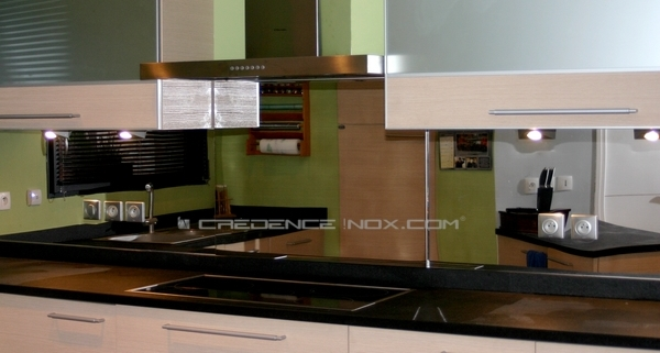 les cr dences inox paisseur 11 17 et 20mm le blog d coration de cr dence inox. Black Bedroom Furniture Sets. Home Design Ideas
