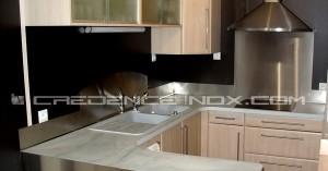 la cuisine en u id ale pour les petits espaces le blog d coration de cr dence inox. Black Bedroom Furniture Sets. Home Design Ideas
