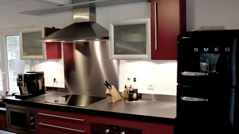 r alisations archives tout savoir sur la cr dence et le plan de travail en inox. Black Bedroom Furniture Sets. Home Design Ideas