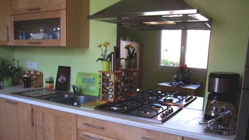 la credence cuisine inox se marie avec quelles couleurs. Black Bedroom Furniture Sets. Home Design Ideas