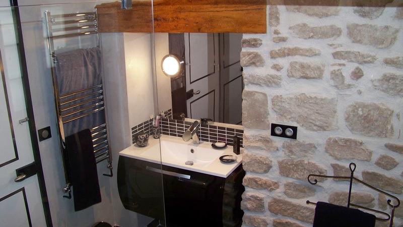 crédence inox miroir pour toutes les cuisines et même les salles de bains